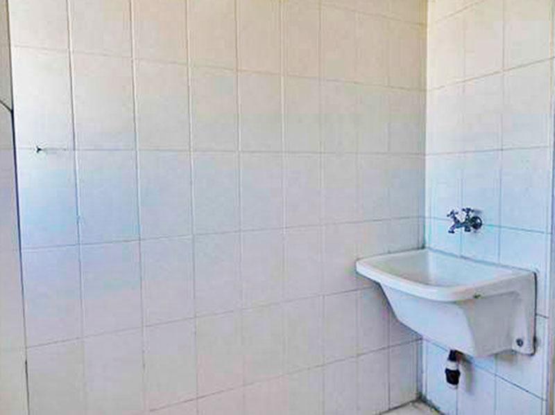 Sacomã, Apartamento Padrão-Área de serviço ampliada (com o banheiro da área de serviço), com piso de cerâmica.