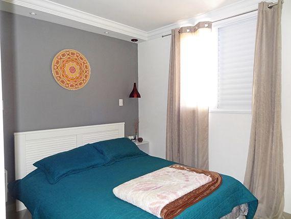 Sacomã, Apartamento Padrão-Suíte com piso de porcelanato, teto com moldura de gesso e iluminação embutida.