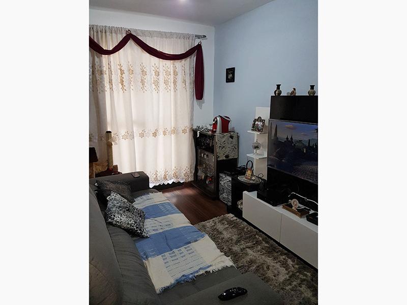 Sacomã, Apartamento Padrão - Sala com piso laminado e acesso a sacada.