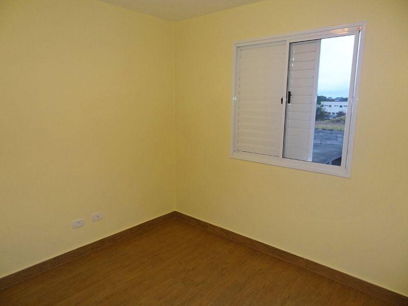 Sacomã, Apartamento Padrão-Segundo e terceiro dormitório com piso de porcelanato.