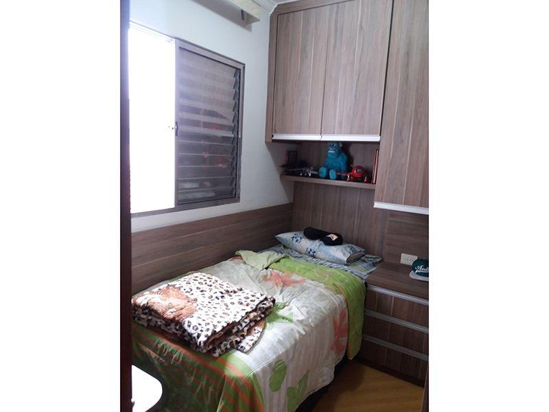 Jabaquara, Casa Térrea-Segundo e terceiro dormitório com piso laminado, teto com moldura de gesso e armários planejados.