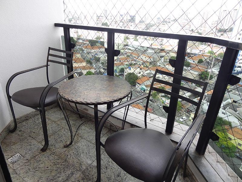 Ipiranga, Cobertura Duplex-Varanda com piso de granito e tela de proteção.