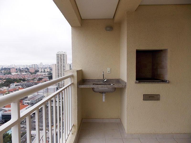 Sacomã, Apartamento Padrão-Varanda gourmet com piso de cerâmica, pia de granito e churrasqueira.