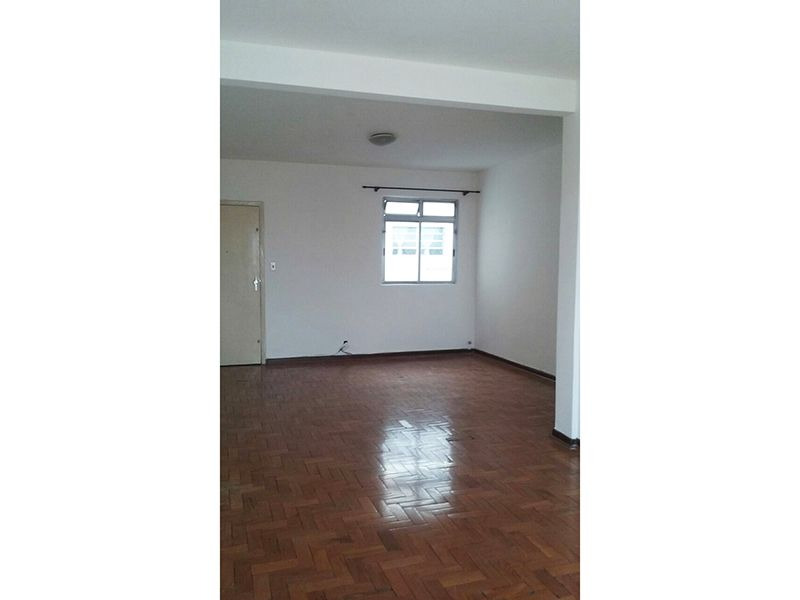 Ipiranga, Apartamento Padrão - Sala com dois ambientes piso de madeira.