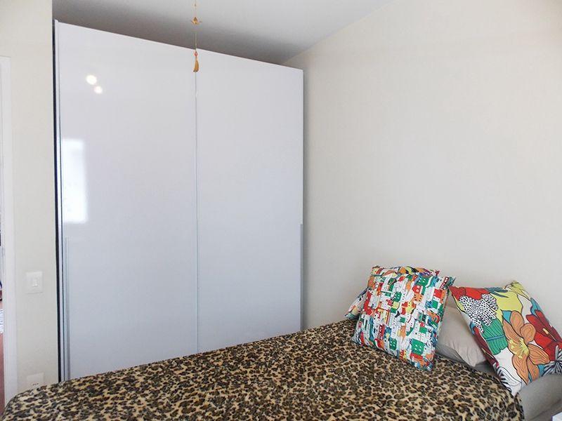 Jabaquara, Apartamento Padrão-Dormitórios com piso laminado e armários.