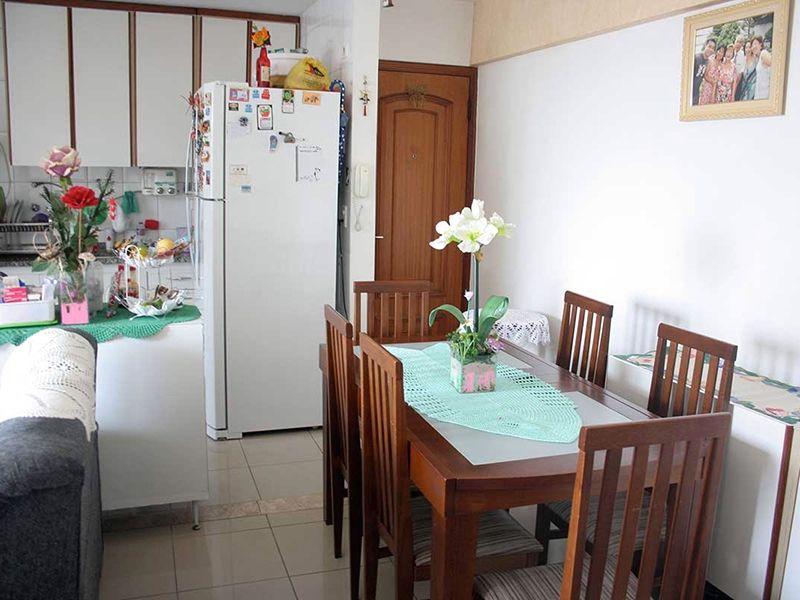 Ipiranga, Apartamento Padrão-Sala com dois ambientes, piso de cerâmica e acesso à varanda.
