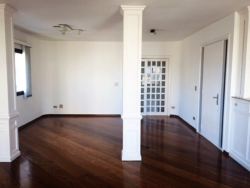 Ipiranga, Apartamento Padrão-Sala em L com piso laminado.
