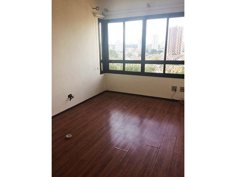 Ipiranga, Apartamento Padrão-Quarto dormitório com piso laminado.