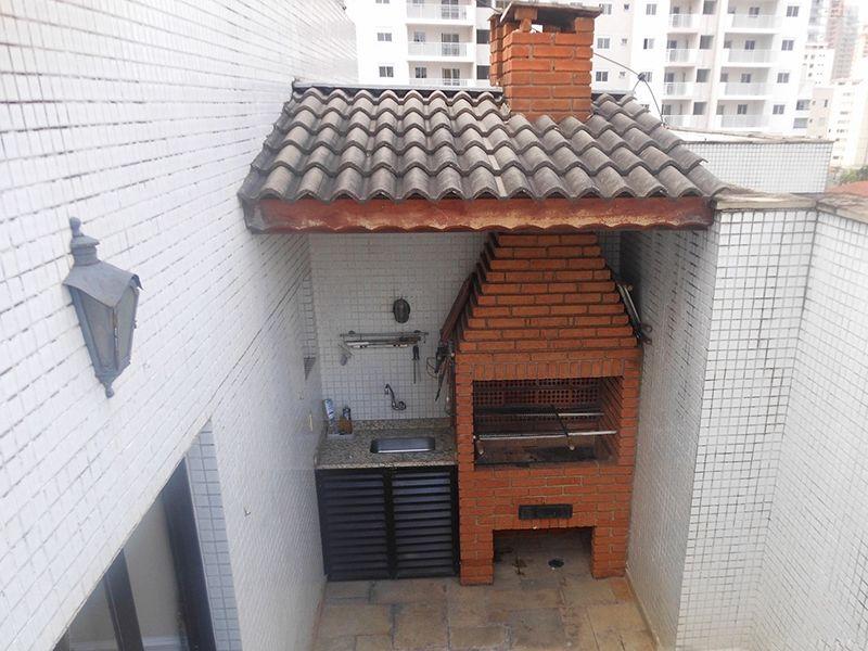 Saúde, Cobertura Duplex-Terraço com pia de granito e churrasqueira.