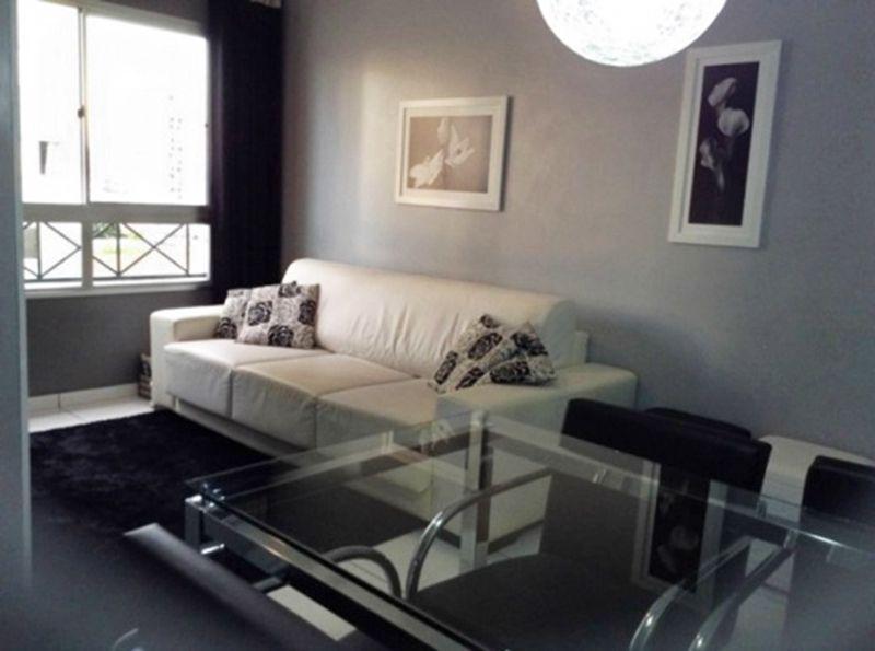 Sacomã, Apartamento Padrão - Sala em L com dois ambientes e piso de cerâmica.