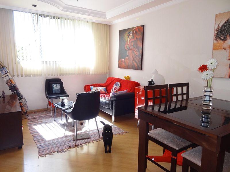 Jabaquara, Apartamento Padrão - Sala com piso laminado, teto com sanca de gesso e iluminação embutida.