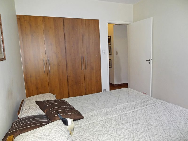 Ipiranga, Apartamento Padrão-Segundo dormitório com piso de madeira e armário embutido.