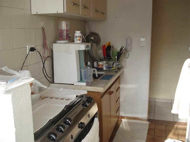 Sacomã, Apartamento Padrão-Cozinha com piso de cerâmica e pia de mármore.