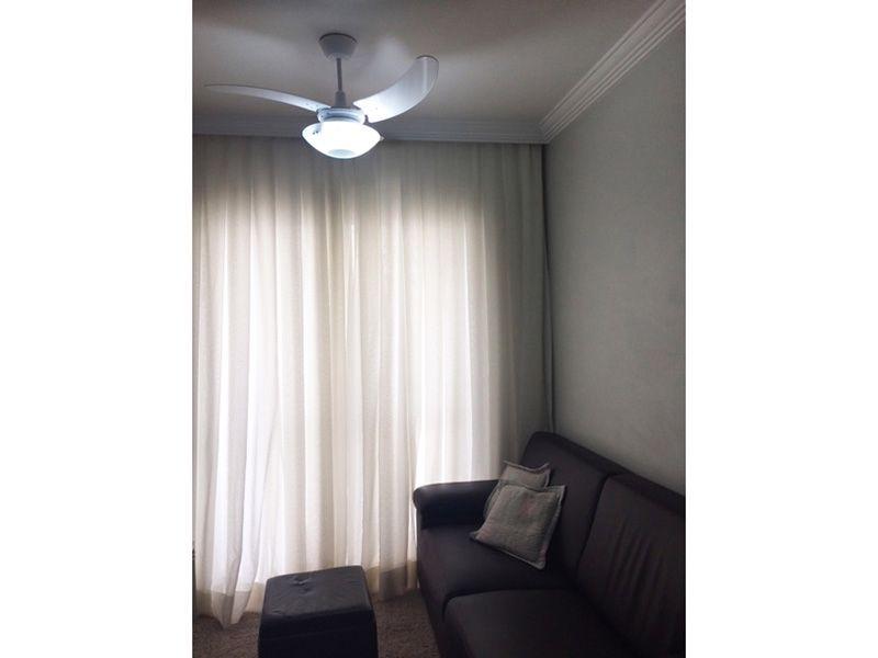 Sacomã, Apartamento Padrão-Sala com piso laminado, teto com moldura de gesso e acesso á varanda.
