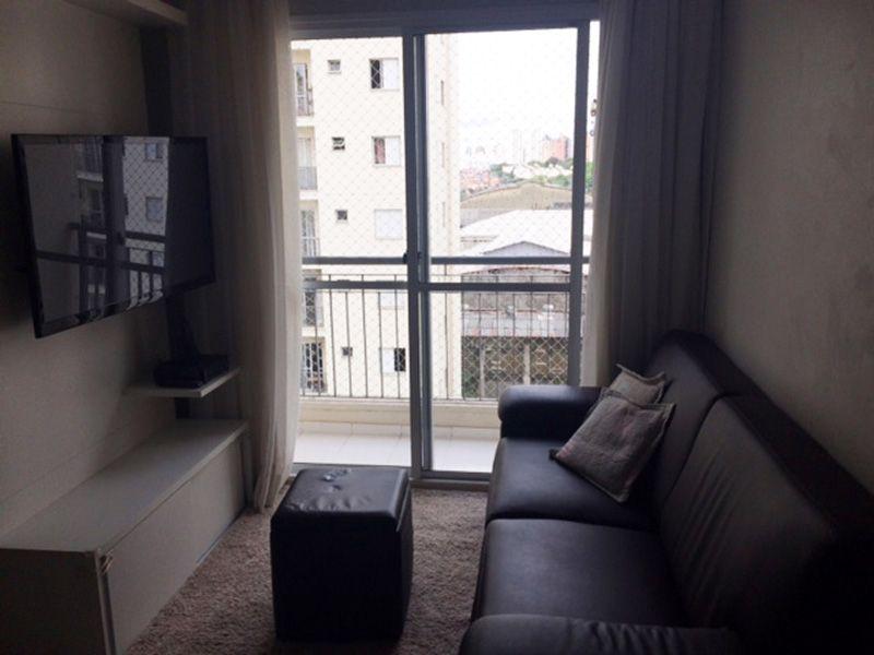 Sacomã, Apartamento Padrão - Sala com piso laminado, teto com moldura de gesso e acesso á varanda.