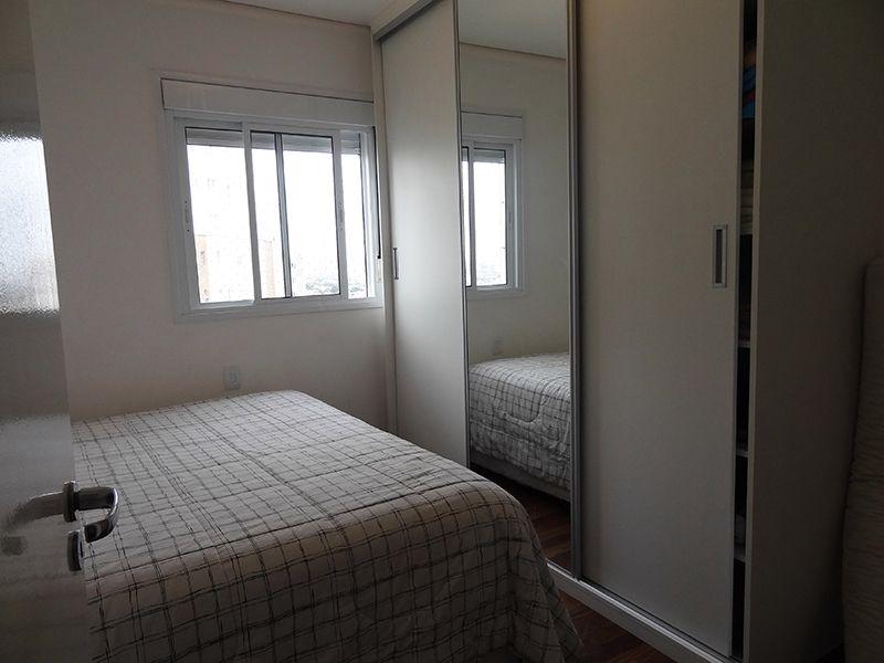 Ipiranga, Cobertura Duplex-Segunda e Terceira suíte com piso de madeira e teto rebaixado.