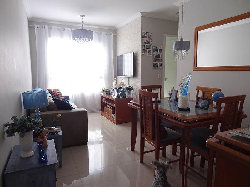 Sacomã, Apartamento Padrão - Sala retangular com piso de porcelanato e moldura de gesso.