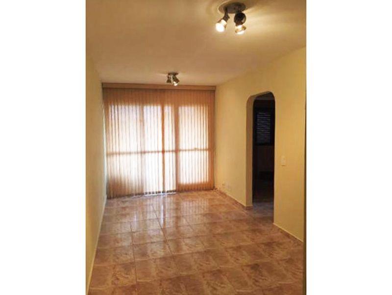 Jabaquara, Apartamento Padrão - Sala retangular com piso de cerâmica e acesso a varanda.