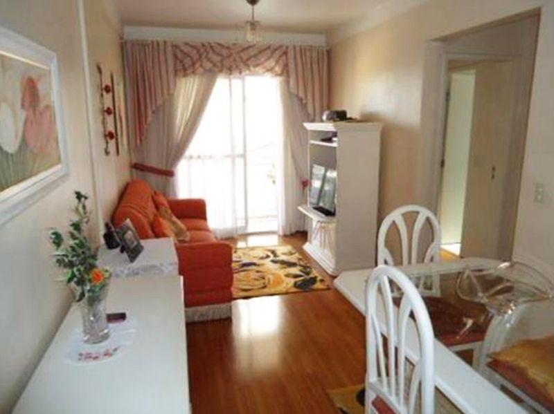 Jabaquara, Apartamento Padrão - Sala com piso laminado, teto com moldura de gesso e acesso a varanda.