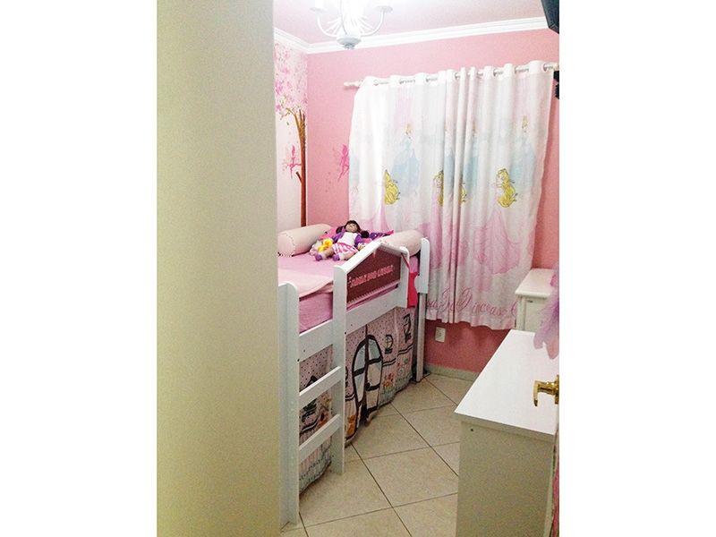 Sacomã, Apartamento Padrão-Segundo dormitório com piso de cerâmica e teto com moldura de gesso.