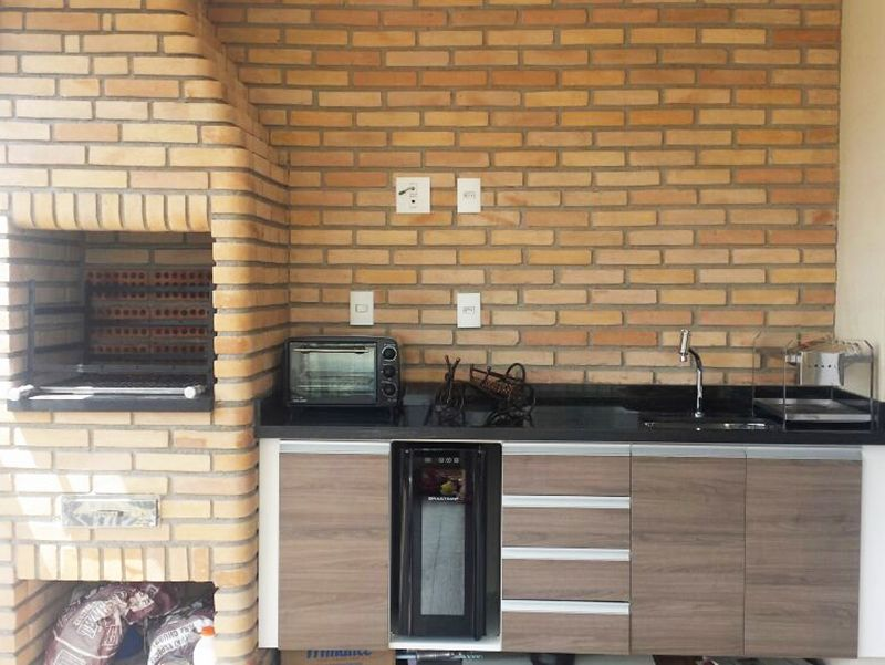 Sacomã, Apartamento Padrão-Varanda gourmet com cortina de vidro, churrasqueira, pia de granito com gabinete com piso de cerâmica.