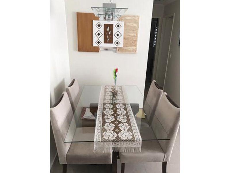 Sacomã, Apartamento Padrão-Sala retangular com dois ambientes, piso de porcelanato, teto com sanca de gesso, iluminação embutida e acesso a varanda.