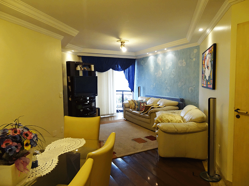 Ipiranga, Apartamento Padrão - Sala em L com dois ambientes,  piso de tabua corrida, teto com sanca de gesso, iluminação embutida e acesso a sacada.