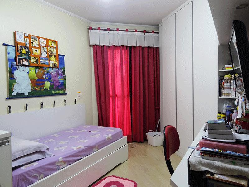Ipiranga, Apartamento Padrão-Terceiro dormitório com piso laminado, teto com moldura de gesso, armários planejados e sacada.