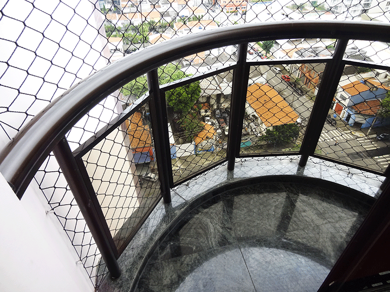 Ipiranga, Apartamento Padrão-Sacada do terceiro dormitório com piso de granito e tela de proteção.