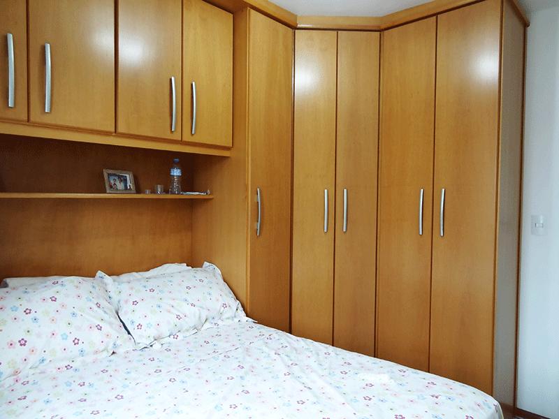 Sacomã, Apartamento Padrão-Primeiro dormitório com piso de cerâmica e armários planejados.