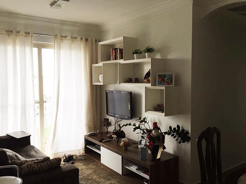 Jabaquara, Apartamento Padrão - Sala retangular com piso de cerâmica, teto com moldura de gesso e acesso a varanda.