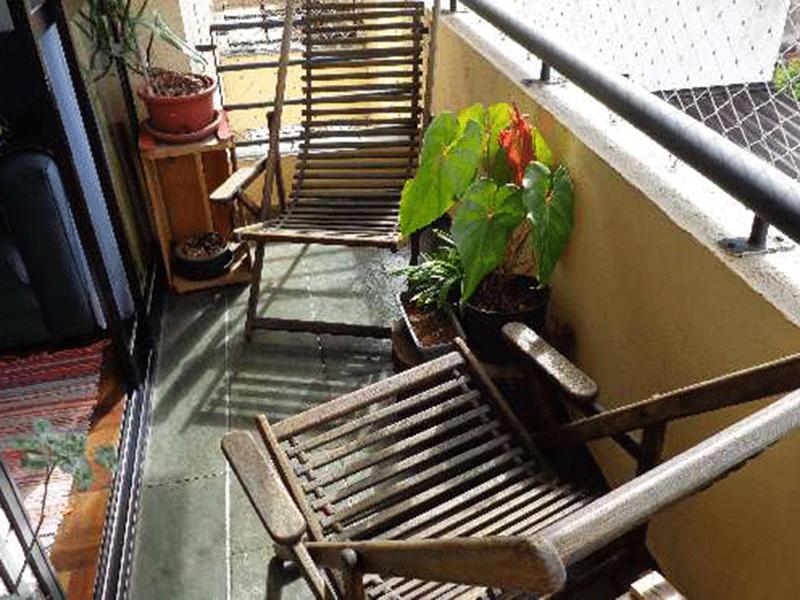 Ipiranga, Apartamento Padrão-Varanda com piso de ardósia e tela de proteção.