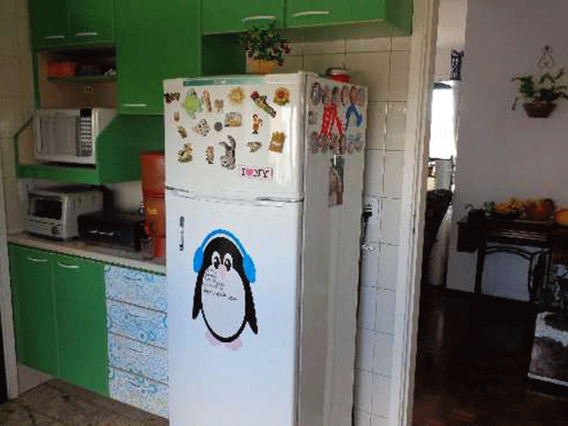 Ipiranga, Apartamento Padrão-Cozinha com piso de granito, pia de granito com gabinete e armários planejados.