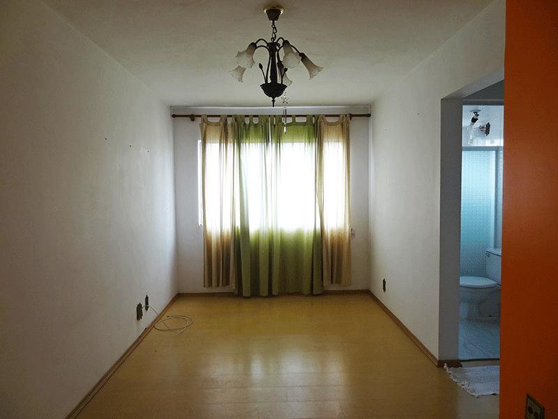 Sacomã, Apartamento Padrão-Sala retangular e com piso laminado.
