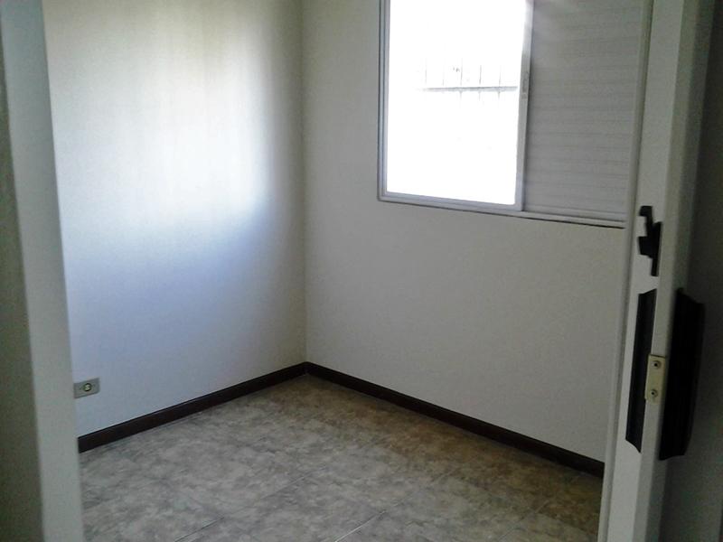 Jabaquara, Apartamento Padrão-Dormitórios com piso de cerâmica e armários planejados.
