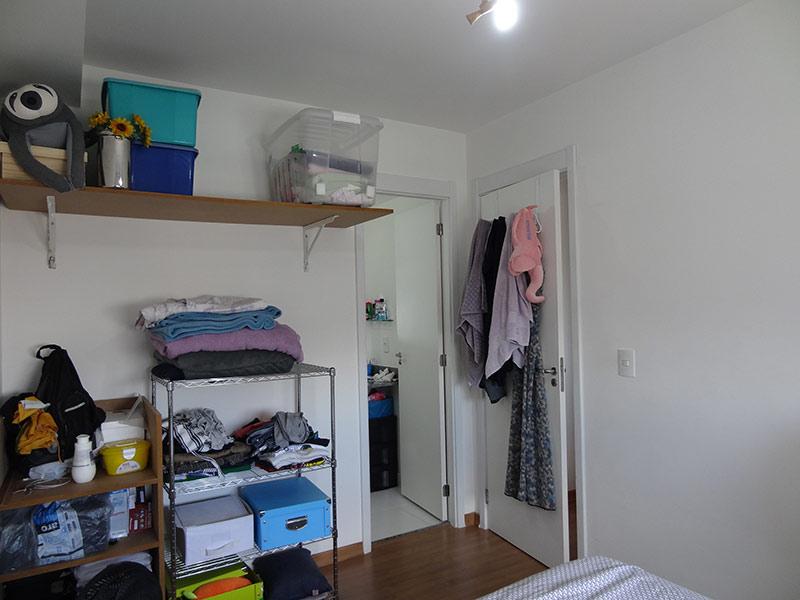 Ipiranga, Apartamento Padrão-Dormitório com piso de cerâmica.