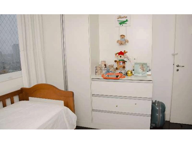 Ipiranga, Apartamento Padrão-Dormitório com piso de granito e armários planejados.