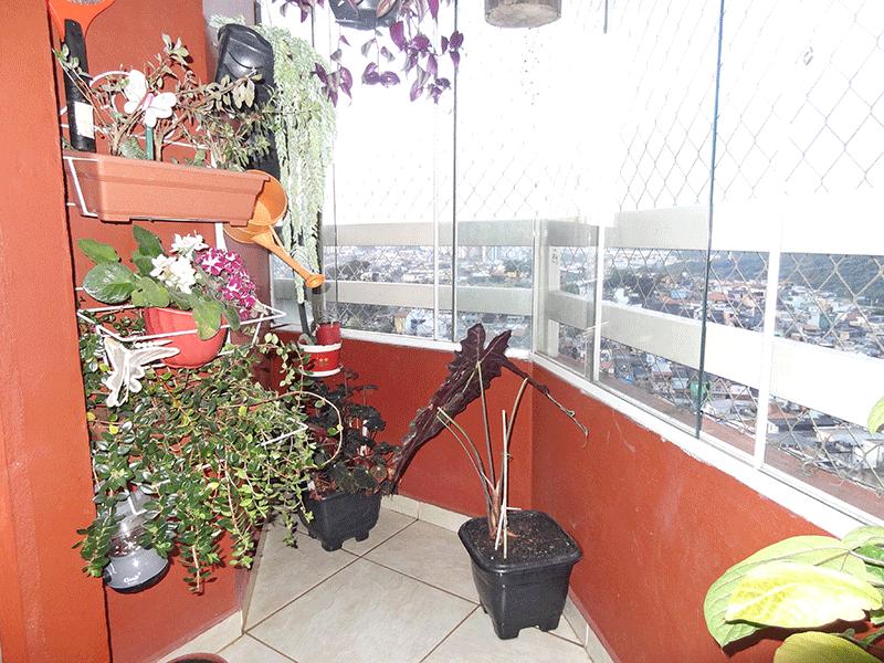 Jabaquara, Apartamento Padrão-Sacada com piso de cerâmica, envidraçada e tela de proteção.
