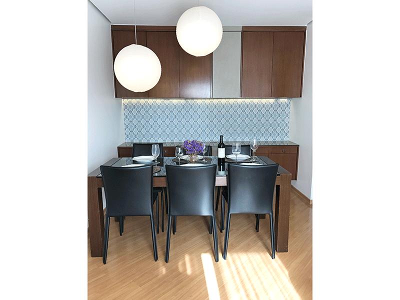 Sacomã, Apartamento Padrão-Sala em L com piso laminado, teto rebaixado com iluminação embutida de led.