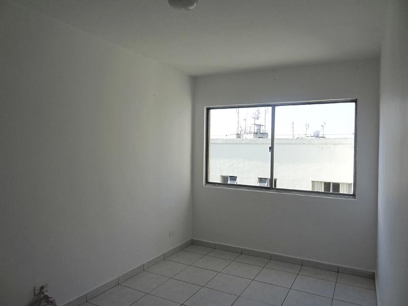 Jabaquara, Apartamento Padrão-Sala retangular com piso de cerâmica.