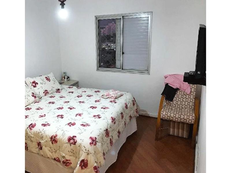 Ipiranga, Cobertura Duplex-Suíte ampla com piso de madeira e armários embutidos.