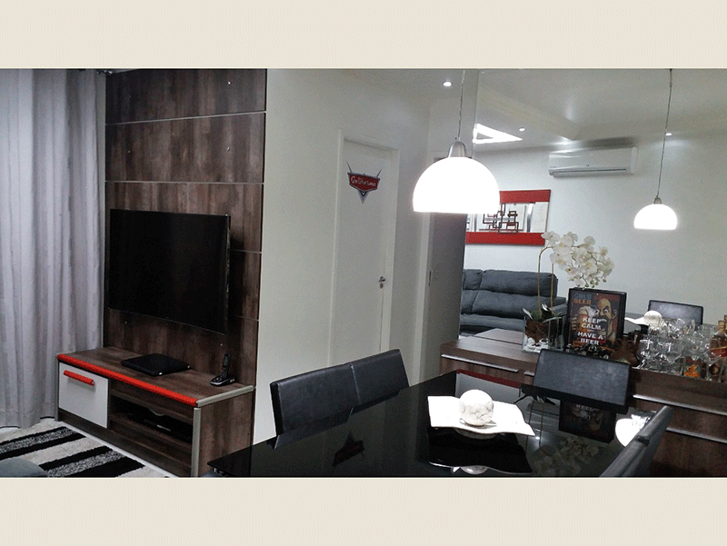 Sacomã, Apartamento Padrão-Sala ampla teto com sanca de gesso, iluminação embutida, ar condicionado, armários planejados e acesso à varanda.