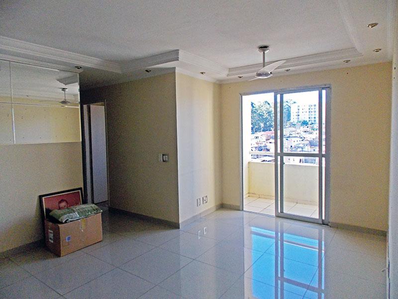 Sacomã, Apartamento Padrão - Sala em L com piso de porcelanato, teto com sanca de gesso, iluminação embutida acesso a varanda.