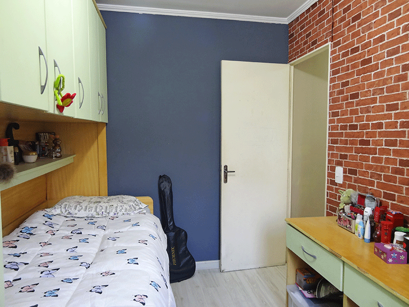 Sacomã, Apartamento Padrão-2º dormitório com piso laminado, teto com moldura de gesso e armários modular.
