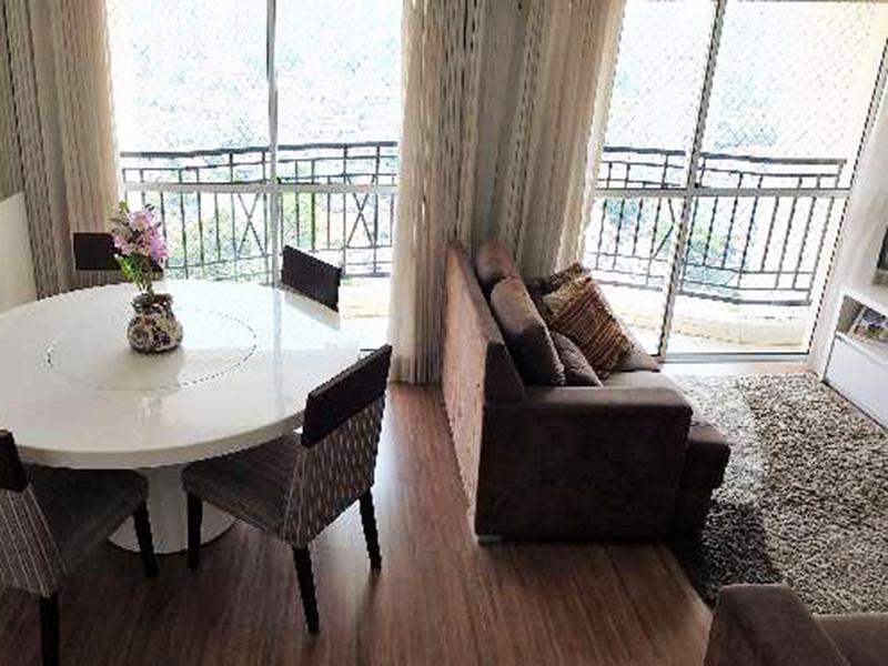 Ipiranga, Apartamento Conjugado-Sala com piso laminado, teto com moldura de gesso e acesso a varanda.