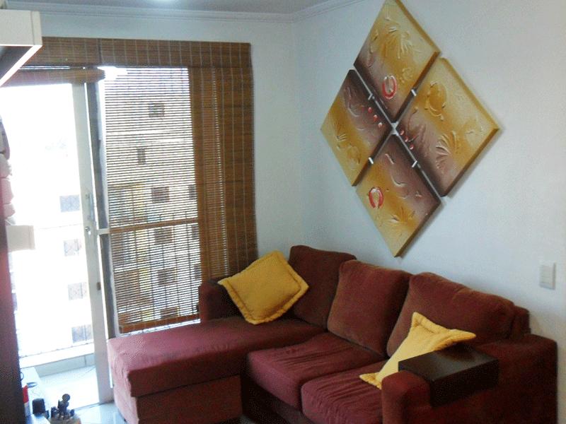 Sacomã, Apartamento Padrão - Sala retangular com piso de porcelanato, teto com moldura de gesso e acesso à varanda.