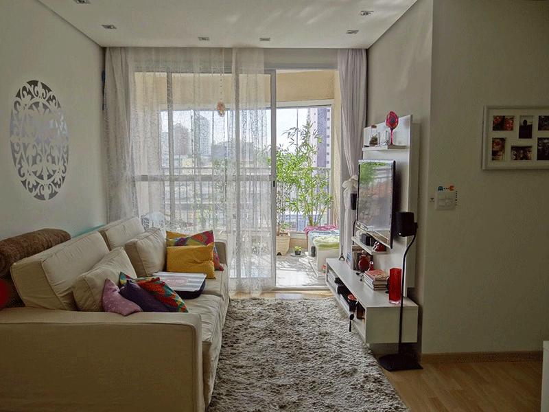 Ipiranga, Apartamento Padrão - Sala em L com piso laminado, teto rebaixado com iluminação embutida e acesso à varanda.