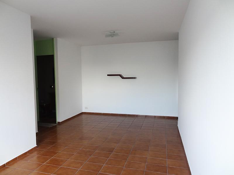 Ipiranga, Apartamento Padrão-Sala em L com piso de cerâmica.
