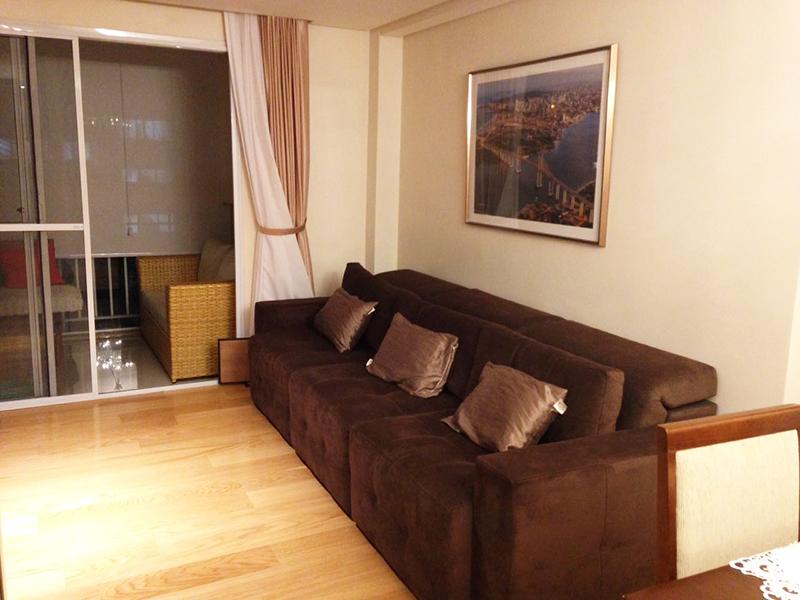 Jabaquara, Apartamento Padrão-Sala com piso laminado, teto rebaixado com iluminação embutida e acesso a varanda.