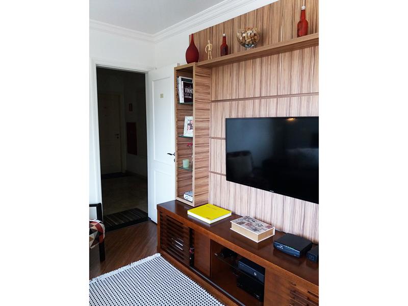 Sacomã, Apartamento Padrão-Sala em L com piso laminado, teto com moldura de gesso e acesso a varanda.